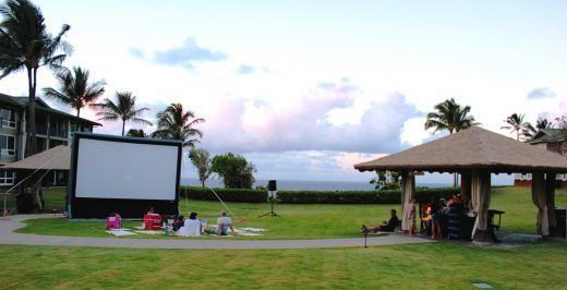 projection canvas outdoors during daytime